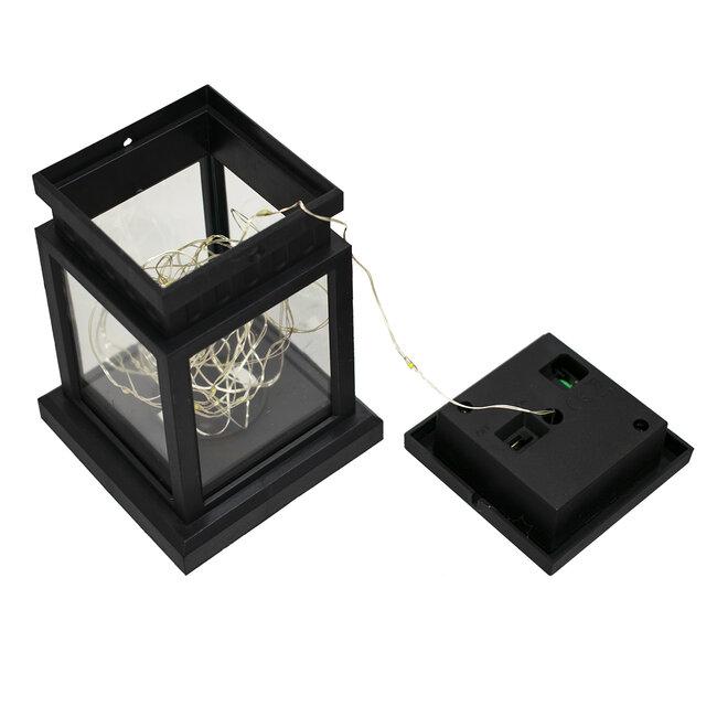 GloboStar® 71505 Αυτόνομο Ηλιακό Κρεμαστό Διακοσμητικό Φωτιστικό Φανάρι LED 5W 300 lm με Ενσωματωμένη Μπαταρία 600mAh - Φωτοβολταϊκό Πάνελ με Αισθητήρα Ημέρας-Νύχτας IP65 Θερμό Λευκό 3000k - 4